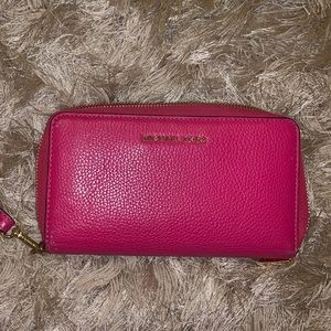 Michael Kors RFID Leather Smartphone Wristlet